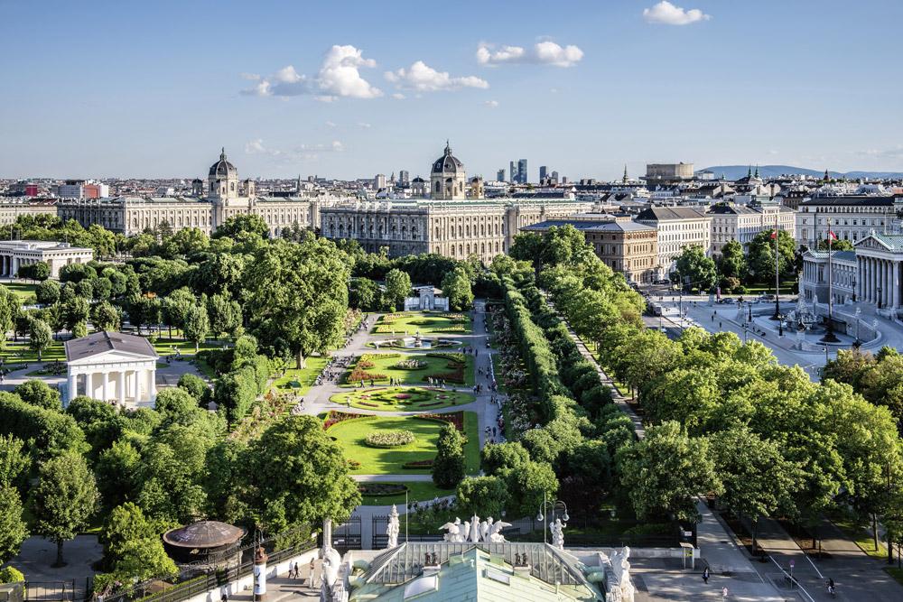 Blick auf den Volksgarten, Museen und Parlament