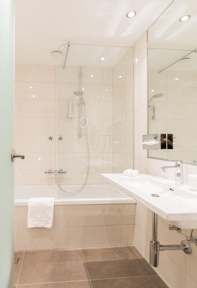 Luxuriöses Bad im Klassik Zimmer IMLAUER HOTEL PITTER Salzburg