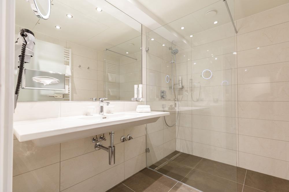 Barriere freies Badezimmer IMLAUER HOTEL PITTER Salzburg