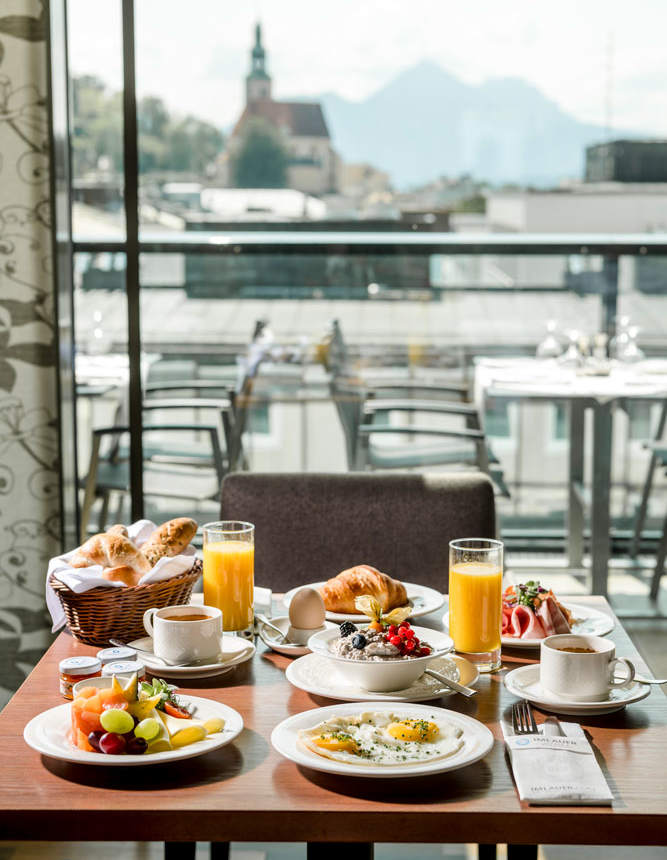 Frühstück mit Ausblick IMLAUER HOTEL PITTER Salzburg