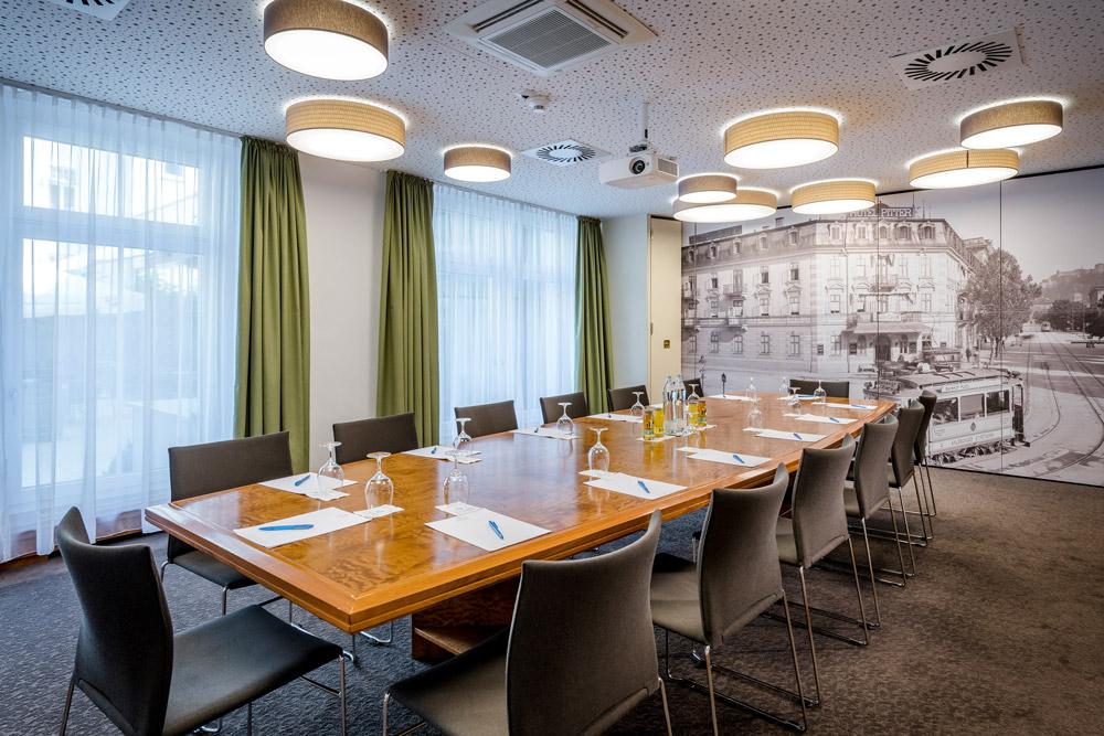 Modernste Ausstattung Tagungsraum IMLAUER HOTEL PITTER Salzburg