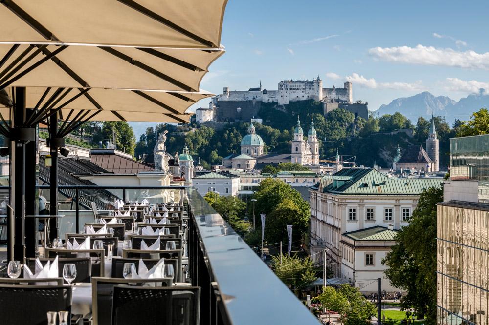 Sky Bar Ausblick Festung Hohensalzburg IMLAUER HOTEL PITTER Salzburg