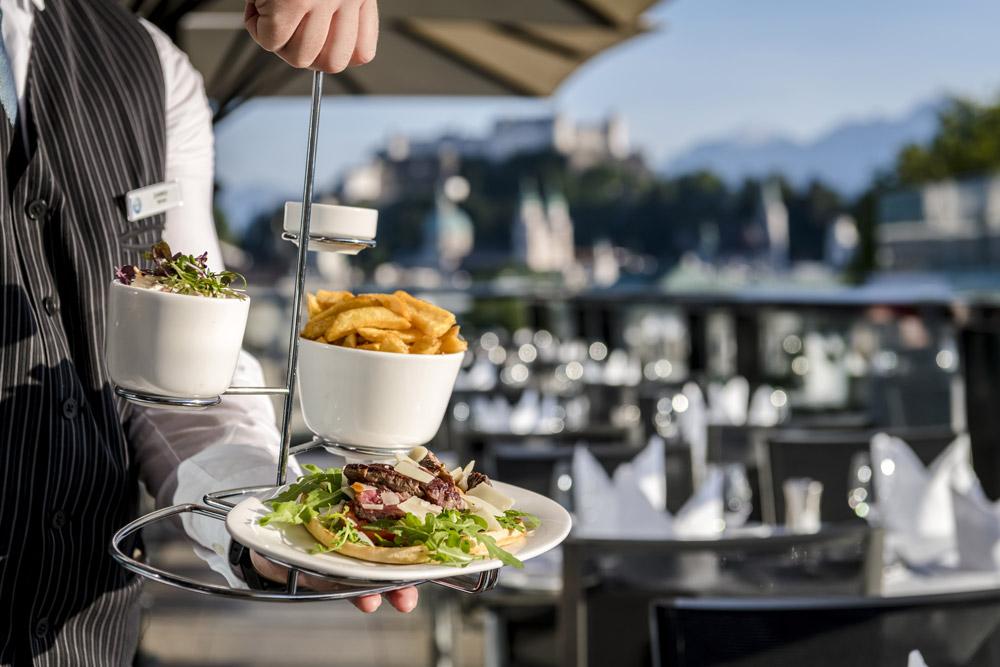 feinste Pommes und Burger IMLAUER HOTEL PITTER Sky Restaurant Bar Salzburg